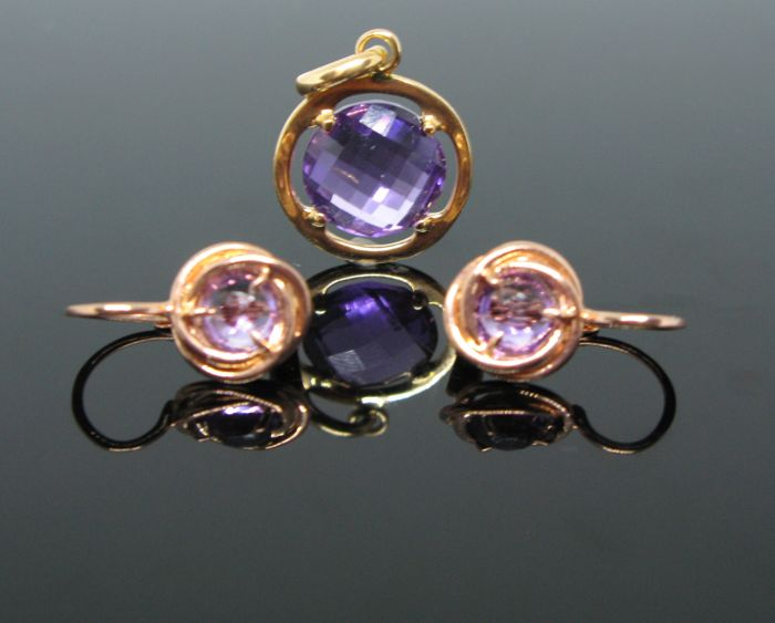 18 KT pink gold parure set with earrings 2 amethyst round-faceted cut ct 1,80 tot and pendant with 1 amethyst round faceted cut 4,5 ct. No reserve price