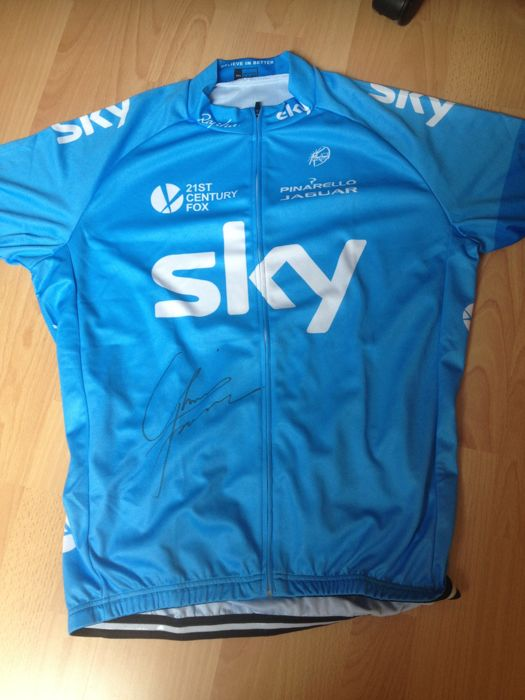 Cycling jersey signed by Chris Froome
