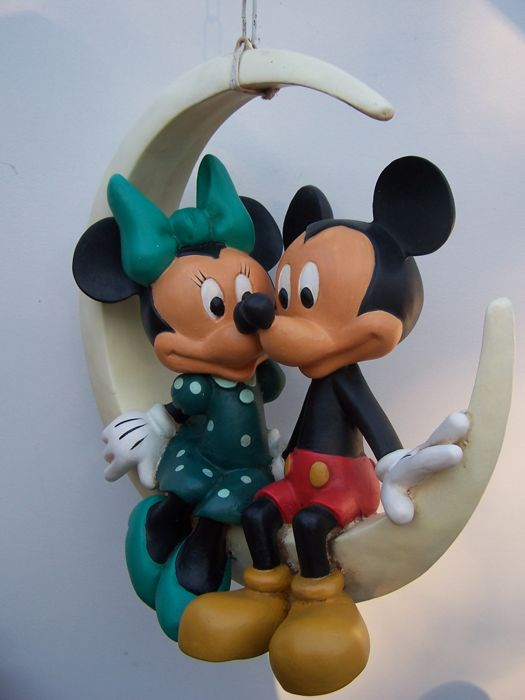 © disney beeld - Mickey Mouse en Minnie Mouse romantisch op de maan - 1980