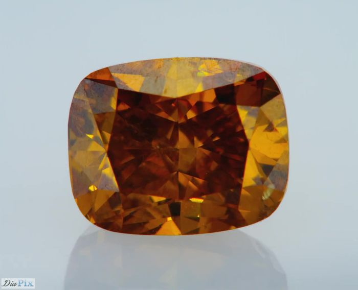 1 pcs Diamant - 0.80 ct - Cushion - fancy deep yellowish orange - ONE OF A KIND!