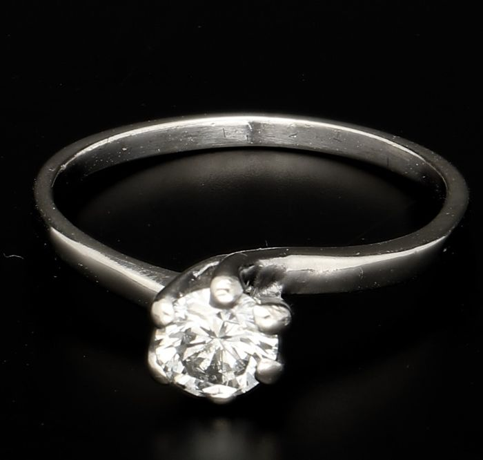 14 kt white gold solitaire ring with diamond - Ring size 16 mm
