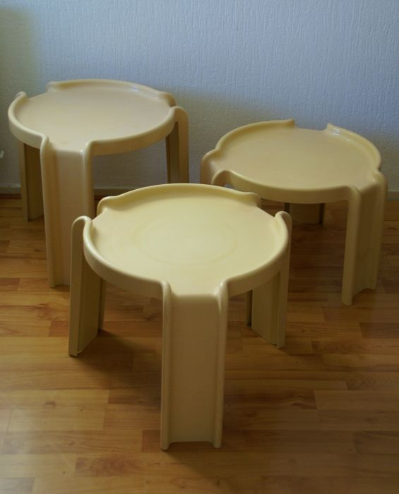 Giotto Stoppino for Kartell  - 3 nesting tables Model 4905/6/7