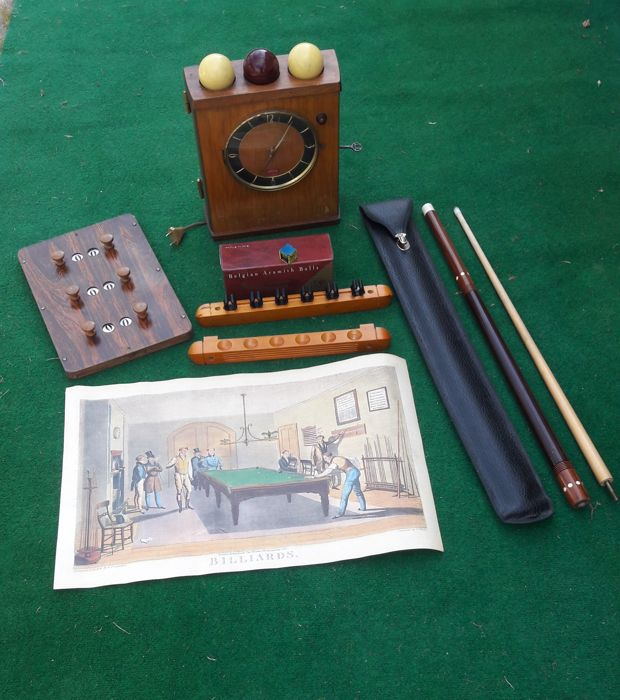 A lovely collection of billiards accessories