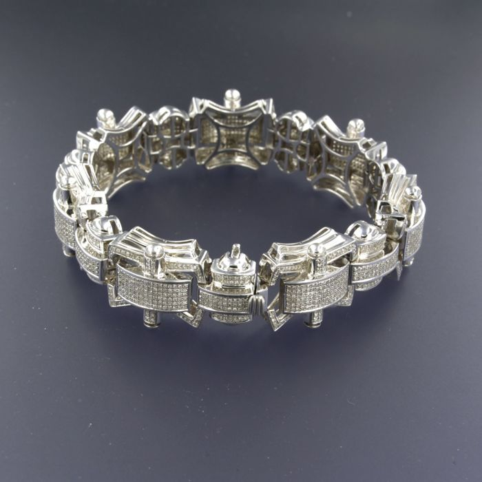 14 kt white-gold men's bracelet, set with 1505 single-cut diamonds of approx. 6.00 ct in total