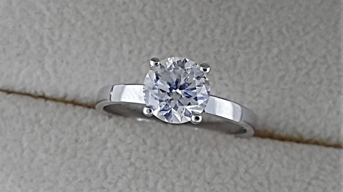 AIG 1.35 carat Round Diamond Solitaire Engagement Ring in Solid White Gold 14K *** NO RESERVE PRICE ***