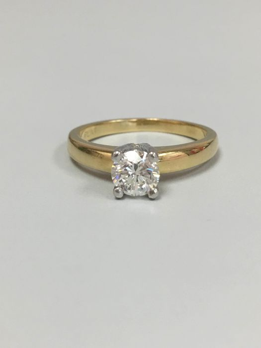 18k Yellow Gold 0.60ct Diamond Ring. Size: 6.5