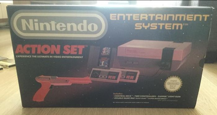 Nintendo Action Set boxed with 12 Nes games Like-  The Legend of Zelda+ The Adventure of Link