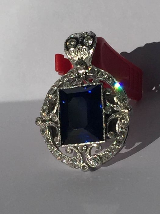 18 kt gold pendant with Sapphire and Diamond of 2.60 ct (NO RESERVE PRICE)