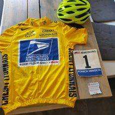 Tour de France yellow jersey with helmet and jersey number 2004 Lance Armstrong