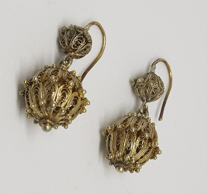 Antique earrings in silver and gold, elegant barrel-shape, late 19th century, Italy
