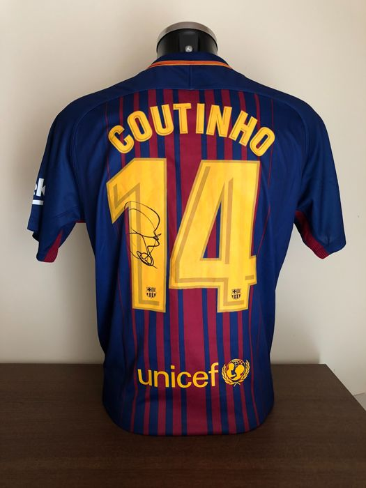 Philippe Coutinho signed Fc Barcelona home shirt 2017-2018 with photo of the moment of signing and our personal COA