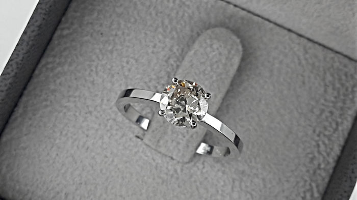 AIG 1.01 carat VS1 Natural Fancy Light Brown Round Diamond Solitaire  in  Gold 14K *** NO RESERVE PRICE ***