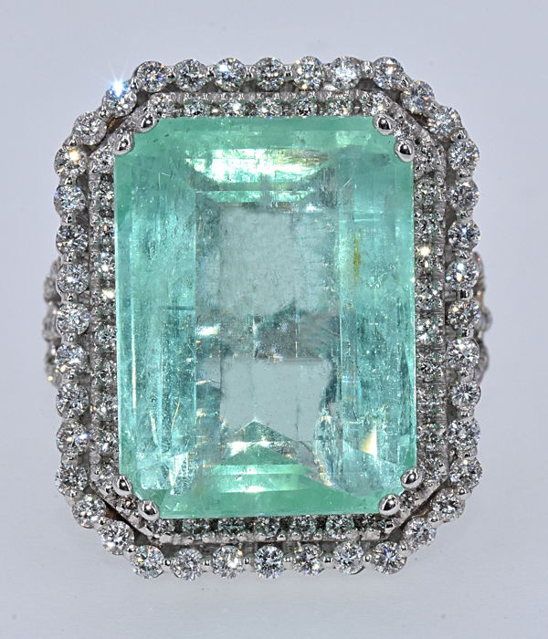 19.44 Ct Emerald with Diamonds ring NO RESERVE price!