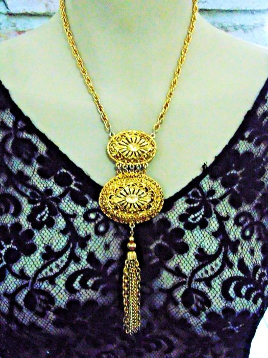 Vintage early 1970s - 12k YGP Necklace of thick twisted Chain with huge open work Modernist Pendant - NO Reserve