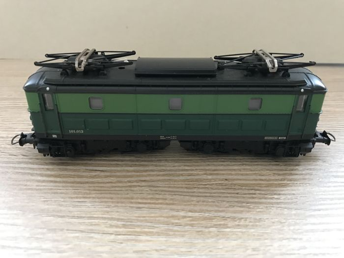 Roco H0 - 43579 - Electric locomotive - Serie 101 - NMBS