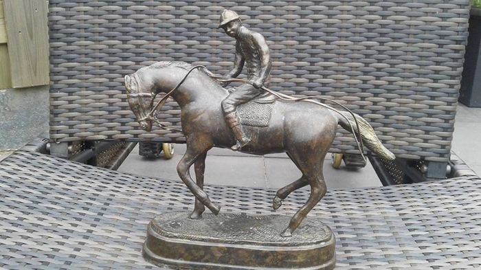 Jockey on horseback - Ca 1960 - Bronze