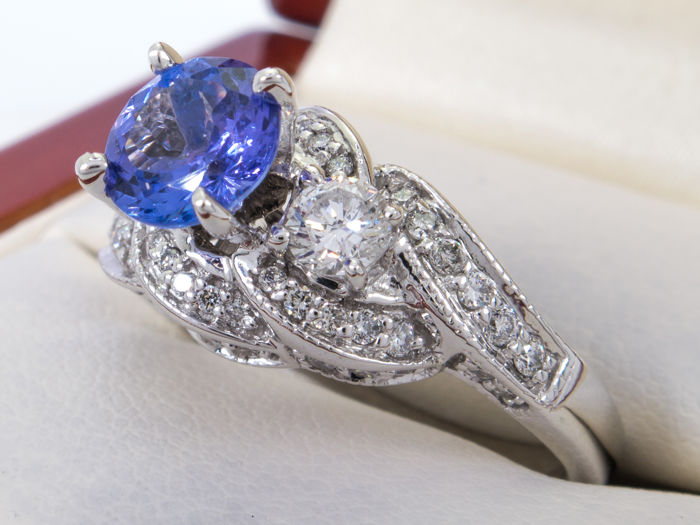 1.96 Ct - diamond & tanzanite ring - No reserve price