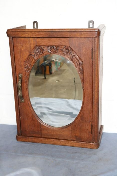 antique medicine cabinet with grinded mirror and beautiful decoration - Antique Medicine Cabinet With Grinded Mirror And Beautiful
