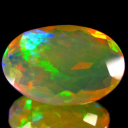 Crystal 'Rainbow' Opal - Yellow, Vivid Play of colours -  2.79 ct - No Reserve