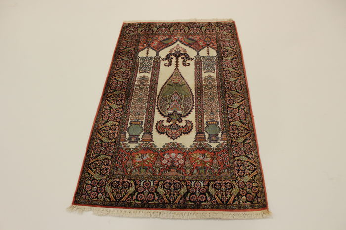 Kashmir silk, India, 1.50 x 0.91