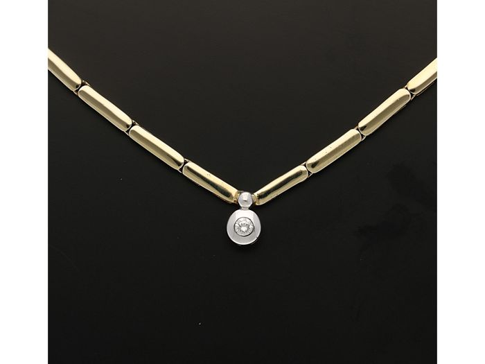 14 kt - Yellow gold link bracelet set with a brilliant cut diamond of approx. 0.07 ct in a white gold pendant - Length: 42.5 cm