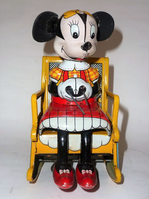 DISNEY - KNITTING MINNIE MOUSE - made of tin - 50th - wind up