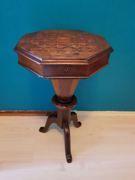 Victorian chess table/craft table - From 1880!
