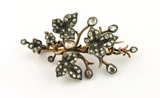 Authentic Antique 1860's-80's Diamond (tot. +/-3.00ct) Flower Brooch, handmade 18k Gold with silver fastenings around the diamonds