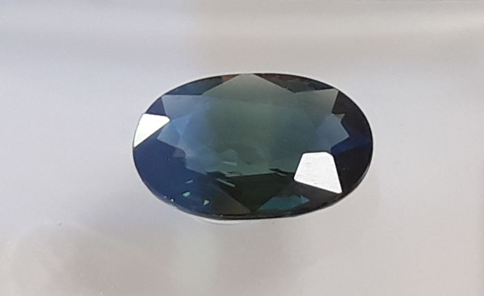 Sapphire - 0.94 ct - Deep Greenish Blue - No Reserve