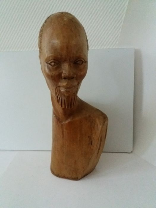 Beautiful wooden statue of an African man, African tribal art - Second half 20th century