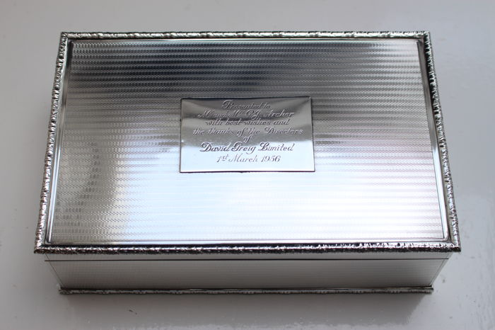 Very large and beautiful decorated antique sterling silver cigar box - Mappin & Webb Ltd. - 1935 - London