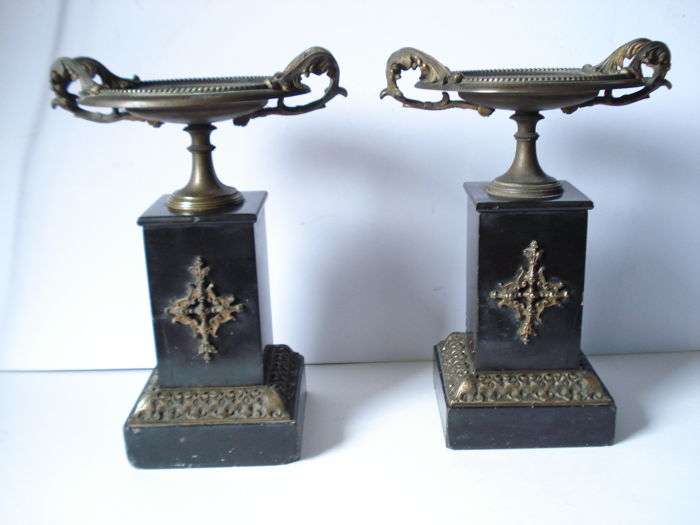 Pair of cassolettes cups in carved bronze and marble - Napoleon III period - France - c. 1870