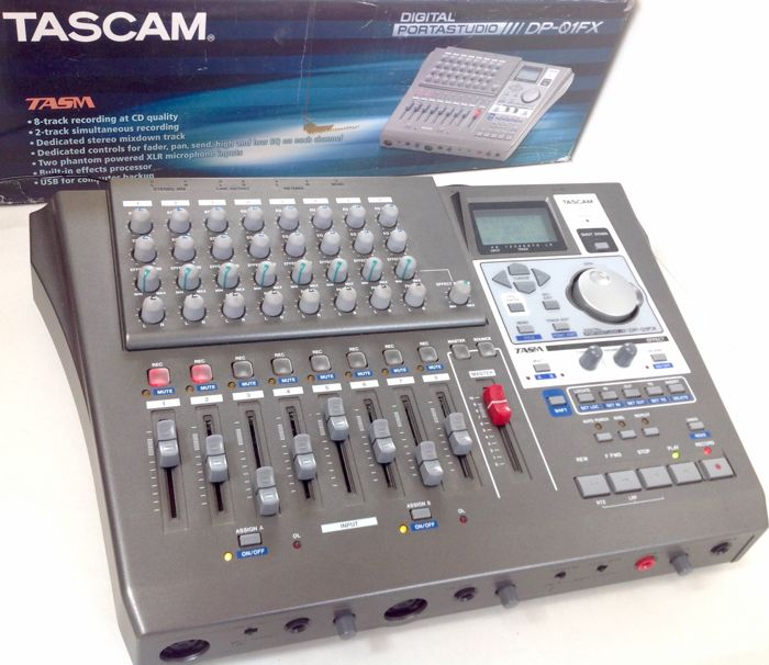 TASCAM DP01FX - digital  8-track Multitrack Recorder/Portastudio (40 GB) with 64 V-tracks, XLR inputs, USB connection and studio-quality effects