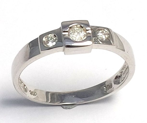 14K White Gold with 0.155 ct Diamond Ring - Ring size N