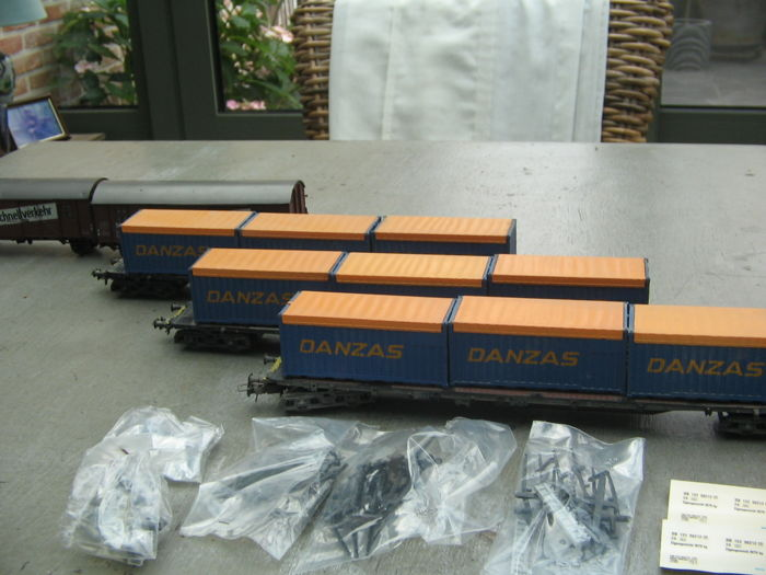 Roco H0 - 4363/4329 - Freight carriage - 4 goederenwagens - DR (DDR)