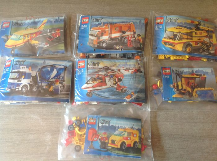 City - 7 sets - 7990 + 7991  + 7891 + 7903 + 7732 - Cement mixer - Recycle truck - Airport firetruck Air mail - Rescue helicopter