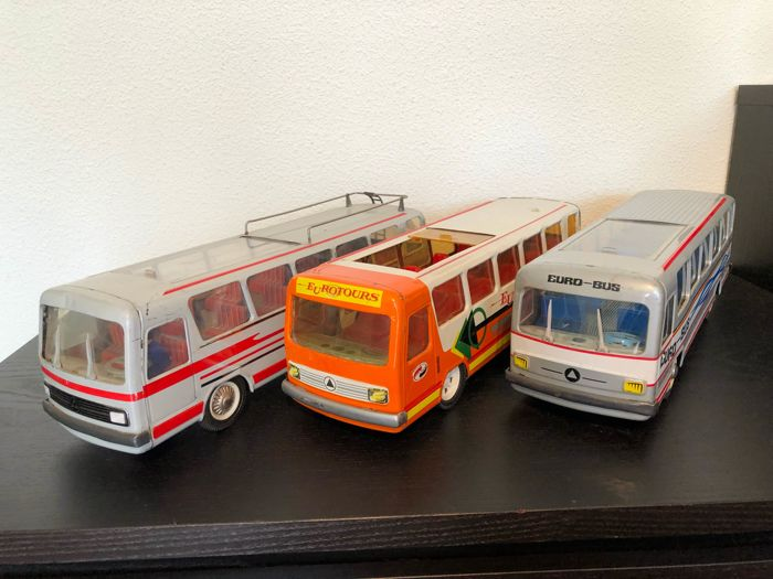 3 Joustra busses from the 1970s