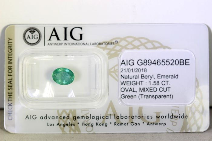 Emerald - 1.58 ct - Green