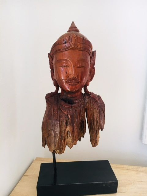 Absolute unique piece, hand-carved teak wood angel - Burma - end of the 20th century