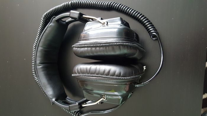 SONY DR-9 VINTAGE STEREO HEADPHONE
