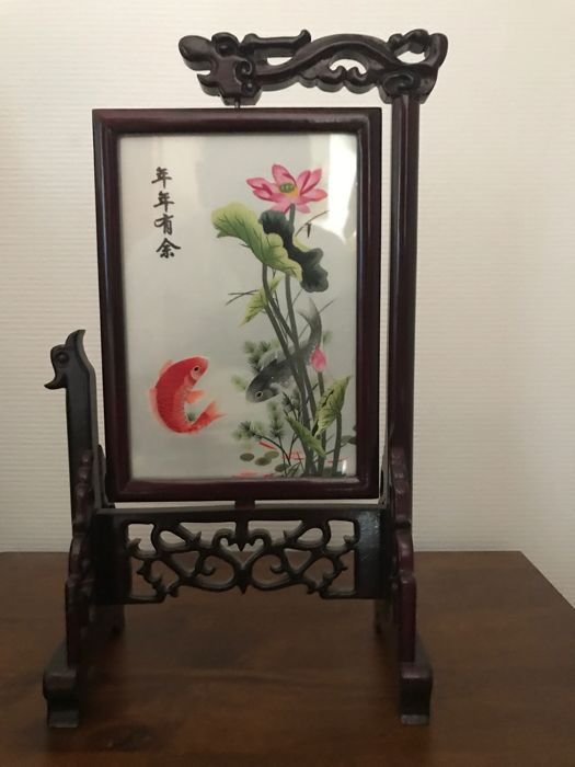 Embroidery under a glass panel in a rotating wooden frame - Japan - Second part of the 20th century