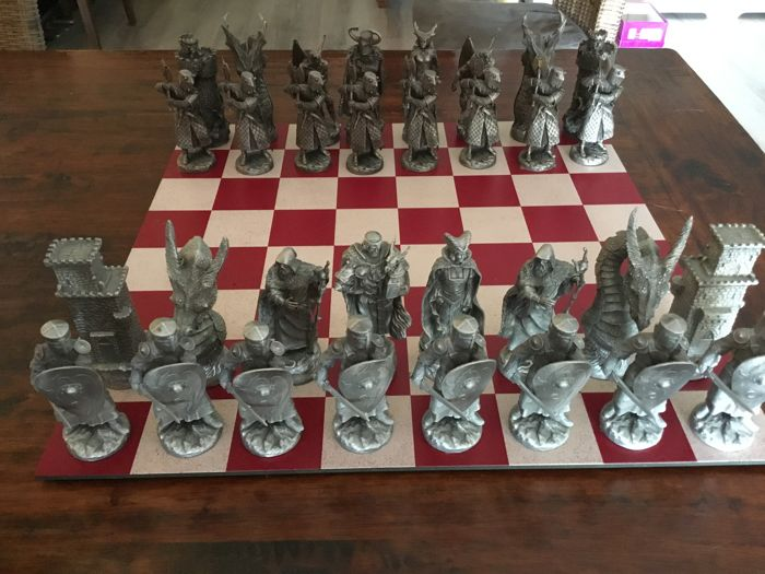 Arthurian chess pieces, produced by Les Etains du Graal, in Paris