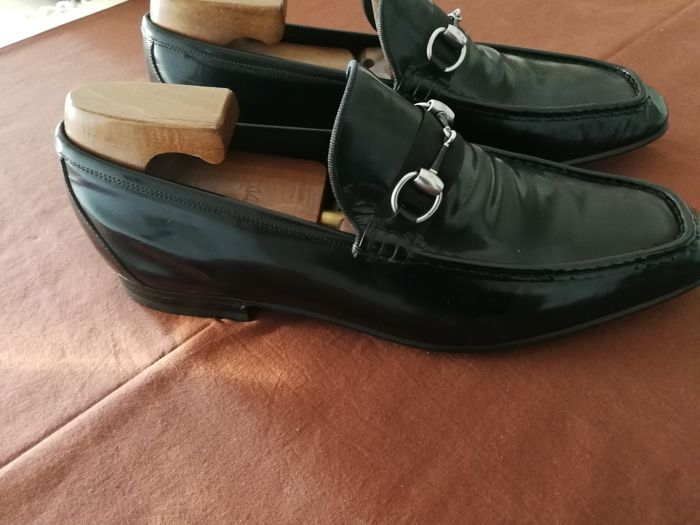b60e6531412 Gucci - Shoes in shiny leather - Catawiki