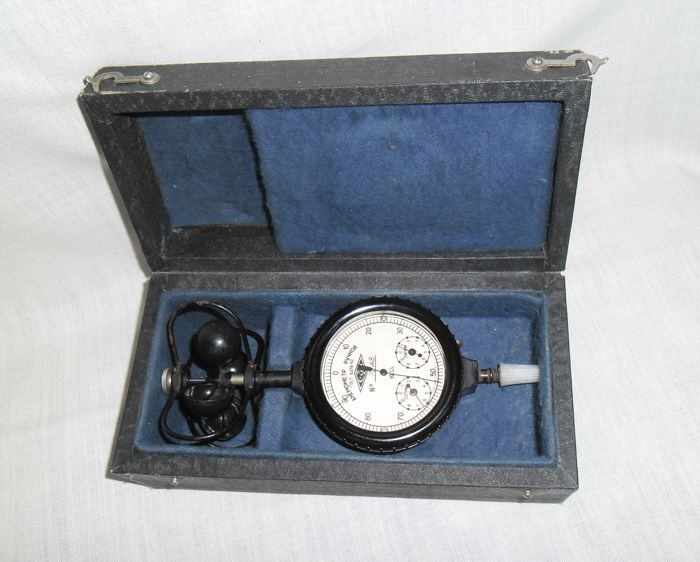 A USSR/CCCP Anemometer MC-13 for measuring average wind speed in the original box. 1972.