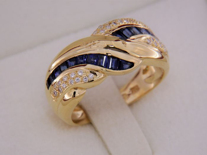 Ring in 18 kt Yellow Gold + Sapphires + Diamonds - Ring size: 58