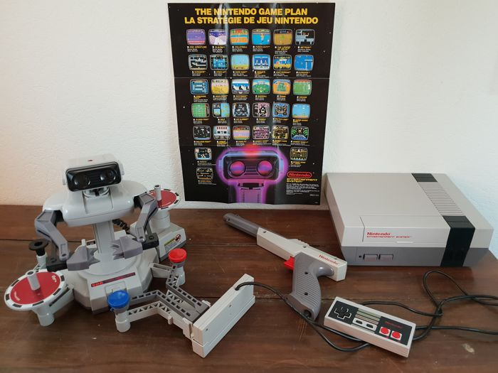 Nes Deluxe set including Robotic Operating Buddy (R.O.B.), no discolouring