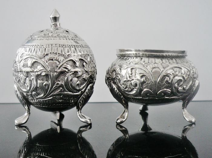 Malaysian or Middle Eastern Silver Pepper Pot u0026 Salt Cellar & Malaysian or Middle Eastern Silver Pepper Pot u0026 Salt Cellar - Catawiki