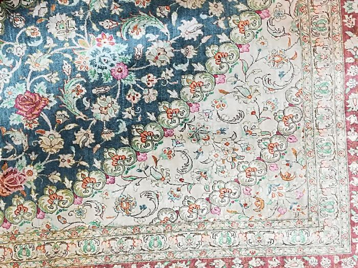 Hand-knotted oriental rug, size: 206 x 200