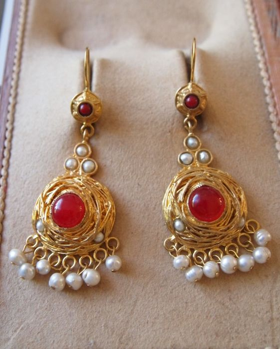 Italian earrings 24 kt gold plated on silver 800, Carnelian, seed pearls
