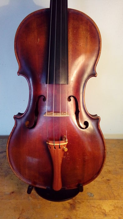 Violin Jakobus Steiner ex Absam prope Oenipontum fecit Cremona - 4/4 - in perfect working condition - headstock carved in the shape of Giuseppe Verdi in his honour to Cremona